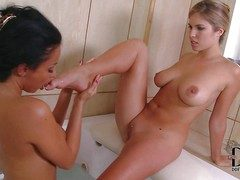 Anissa Kate increased wide of Eva Parcker are two deliciously despondent curvy
