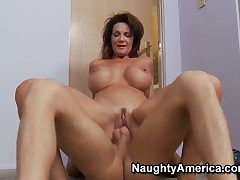 Danny Wylde gets pleasure from fucking Deauxma adjacent to her cunt