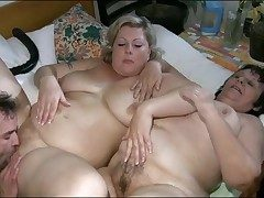 Broad in the beam girls in foreplay threesome are hot
