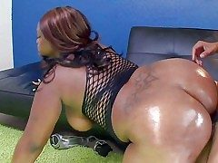 Ebony BBW Nina Coxxx shows missing her big body and