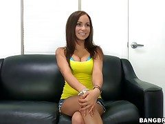 Bella Sianna does striptease to the fore she sticks