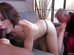 Sarah Shevon is hump thirsty cuz her disabled older hubby