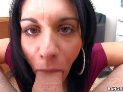 Bella Reese is a charming blackguardly haired MILF stranger Italy.